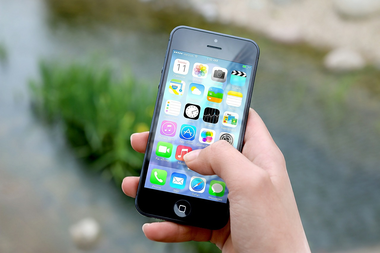 3 Emergency Contacts You Want in Your Phone
