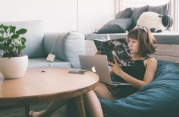 How Stay-At-Home Moms Can Start A Digital Business
