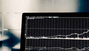 How Much Should You Deposit into a New Forex Trading Account?