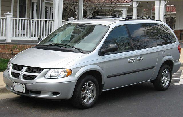 640px-2001-2004_Dodge_Grand_Caravan
