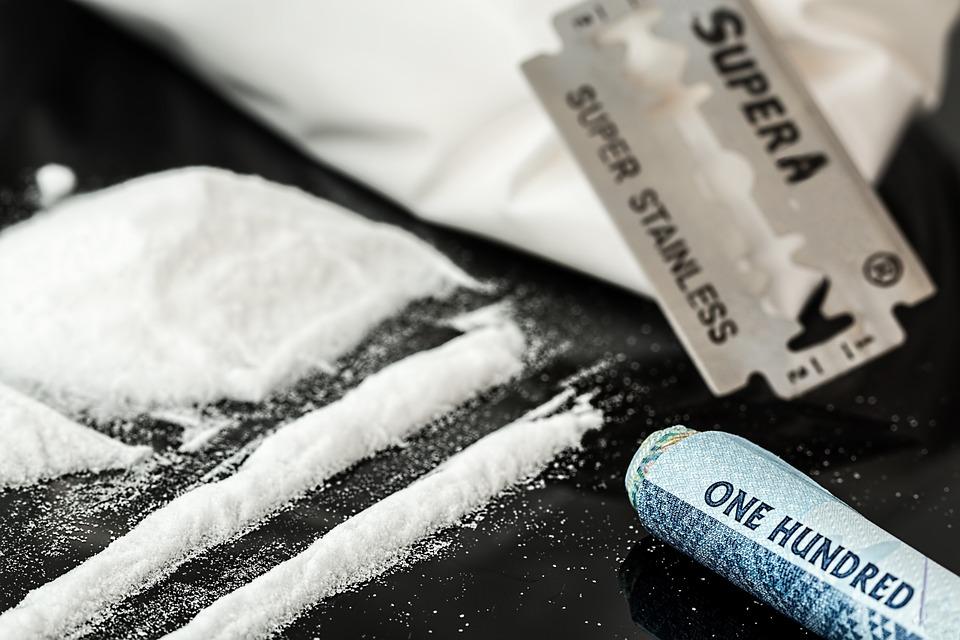 drugs-908533_960_720