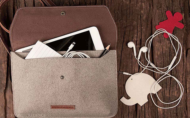 buy_iphone_wallet_case_and_iphone_leather_sleeve