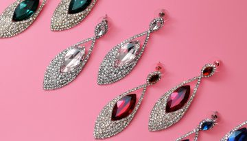 How to save money on diamond earrings